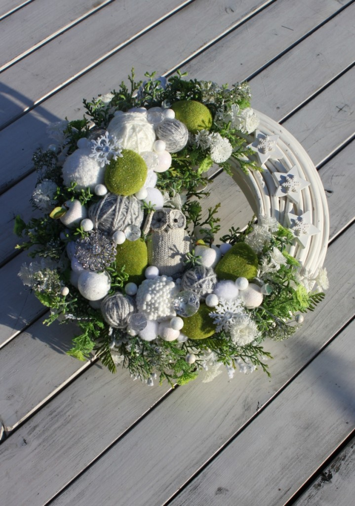 wianek_swiateczny-sowa-motki_wloczki-broszka-zima-ozdoba_swiateczna-dekoracja_na_boze_narodzenie1