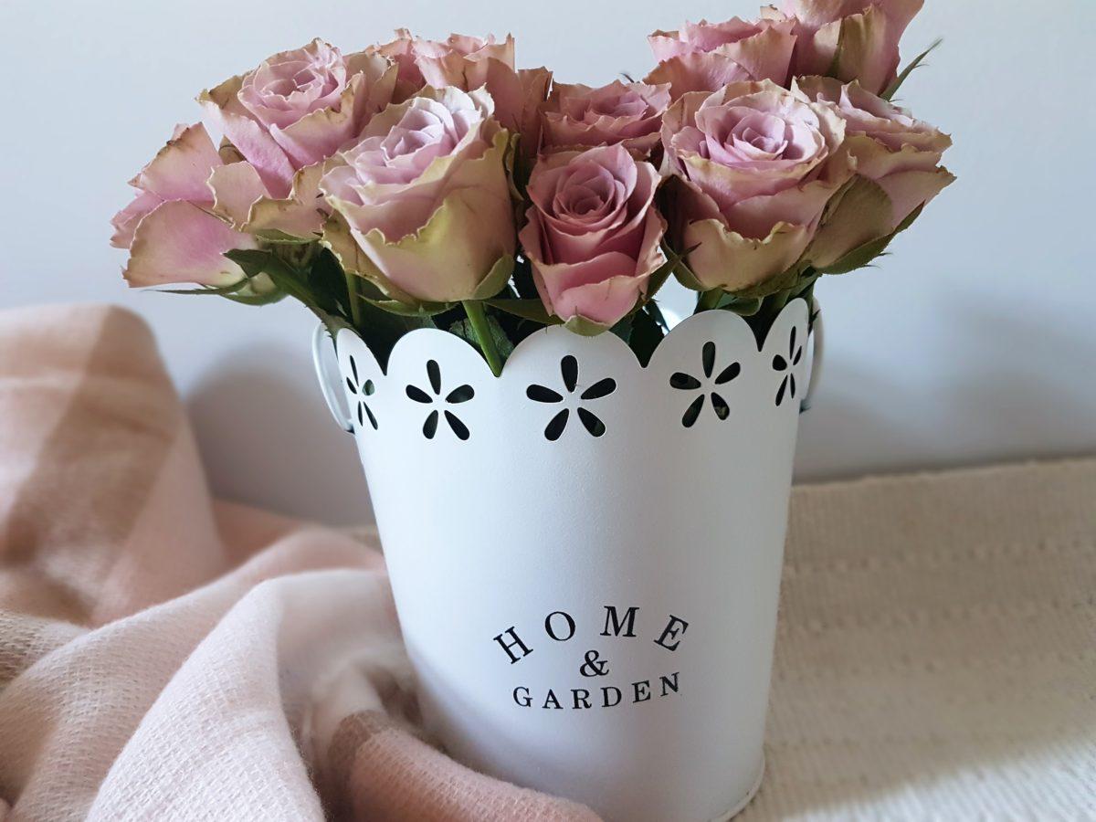 metalowe osłonki na kwiaty