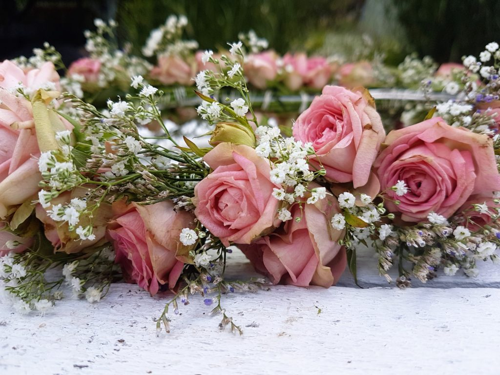 jak zrobić wianek z róż
